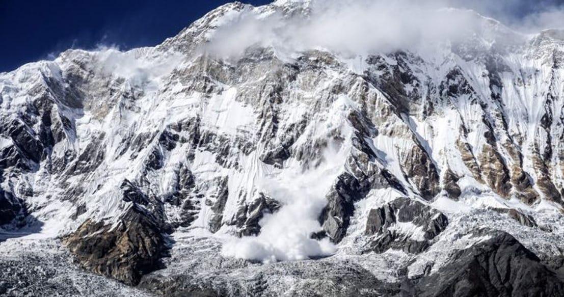 Снежная лавина Гималаи 2017