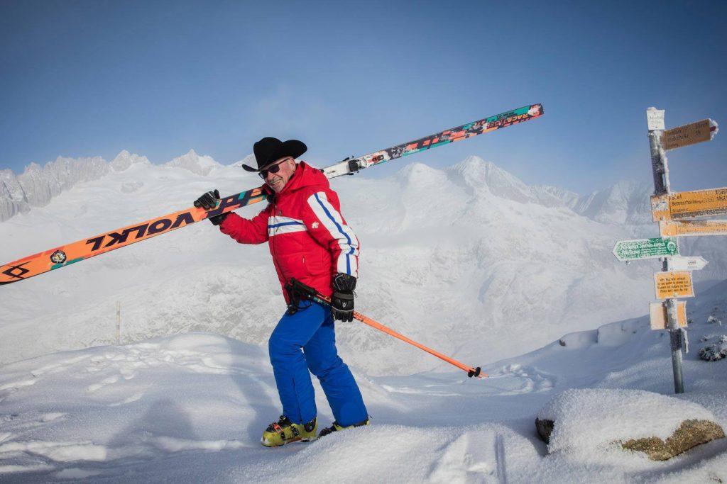 80-летний парень на самых длинных лыжах в мире – Арт Фюррер