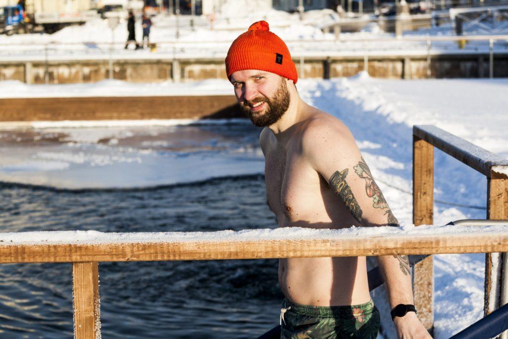 Криотерапия: как воздействует на организм ледяная ванна и какую пользу приносит после занятий спортом