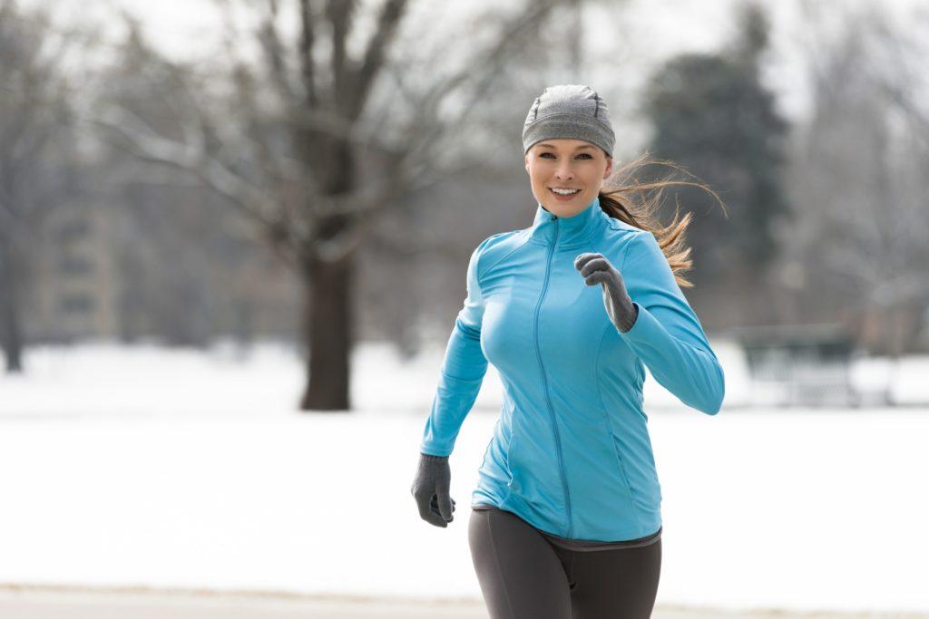 Заниматься ли спортом при простуде: польза и вред