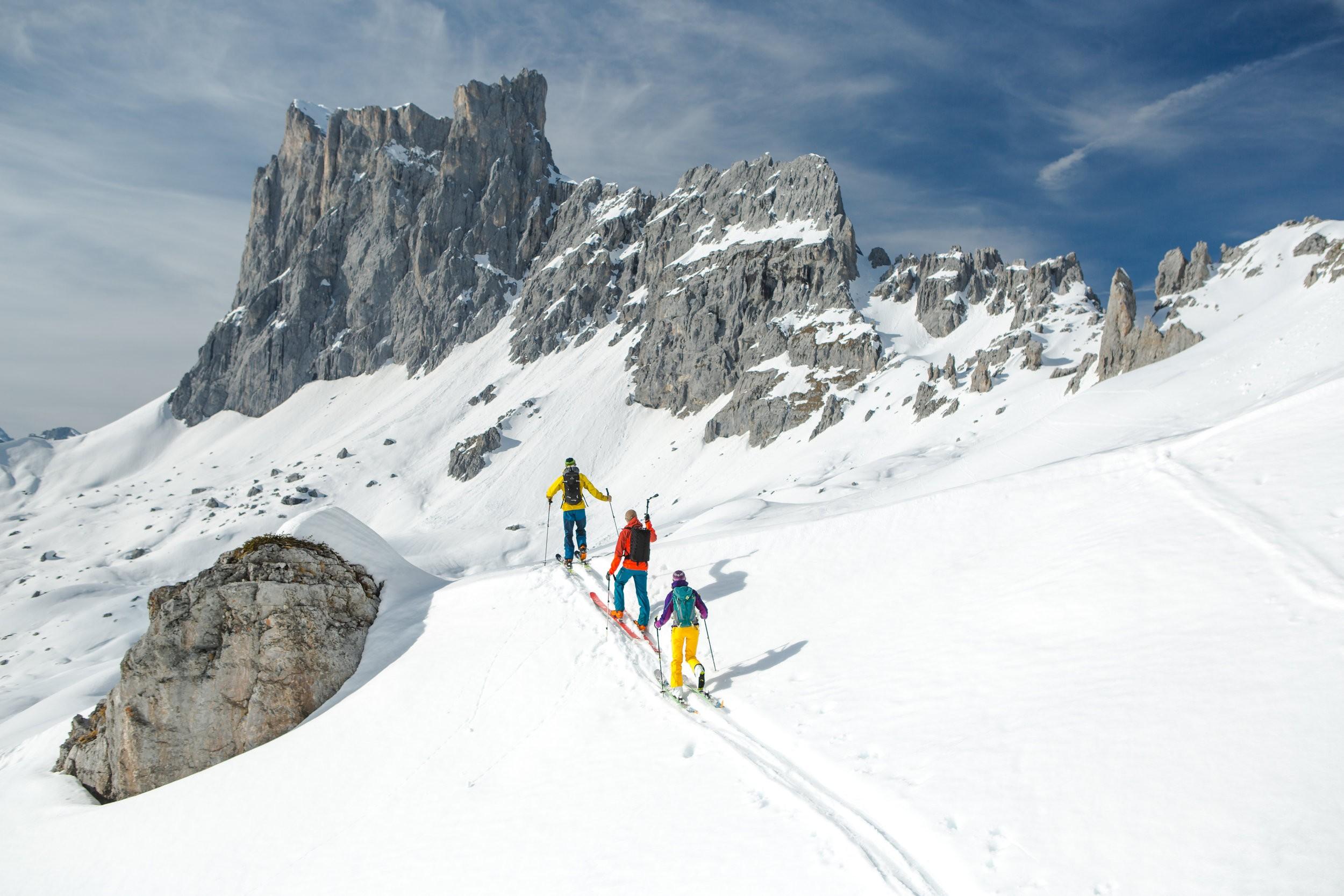 Ски-тур — что это, история, техника катания, особенности снаряжения