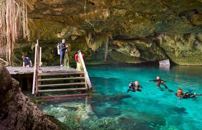 Подводная пещера на Юкатане